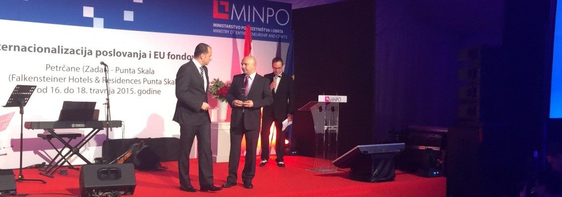 Mihovil Barančić receives the recognition in the name of ZIP
